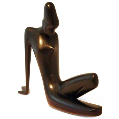 Art Deco carved wooden figure of a reclining woman by Hagenauer (gm506)