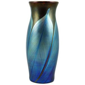 Art Nouveau iridescent Loetz glass vase in the PG166 decor (gm807)