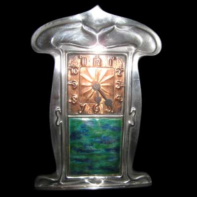 Arts & Crafts Liberty & Co Tudric pewter and enamel clock (gm112)