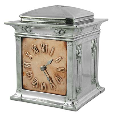 Arts & Crafts Tudic pewter and copper clock by David Veasey for Liberty & Co (gm773)