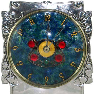 Arts & Crafts Tudric pewter and enamel 0609 clock by Archibald Knox for Liberty & Co (gm863)