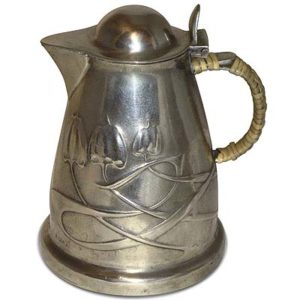 Arts & Crafts Tudric pewter jug by Archibald Knox for Liberty & Co (gm569)