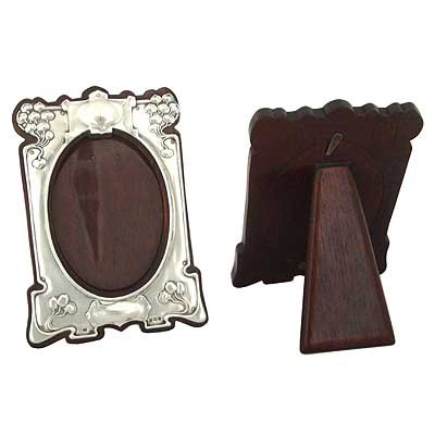Fine pair of Arts & Crafts sterling silver photo frames (gm160)