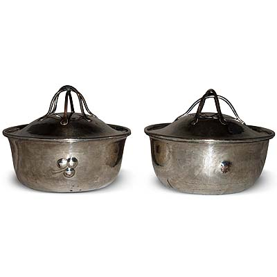 Pair of Arts & Crafts silvered copper pots and covers with wire work finials by Charles Robert Ashbee fpr The Guild of Handicrafts (gm511)