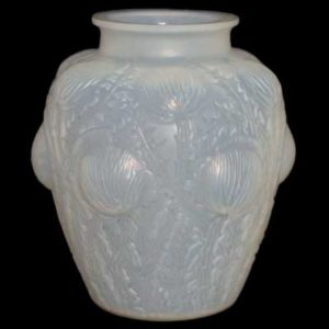 R Lalique Domremy cased opalescent vase (gm182)