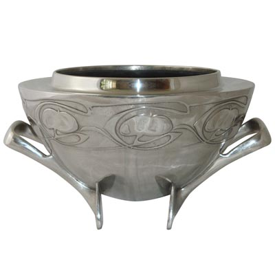 Tudric pewter Arts & Crafts bowl by Archibald Knox for Liberty & Co (M518)