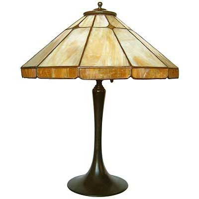 Arts & Crafts bronze and leaded glass lamp (l28b)